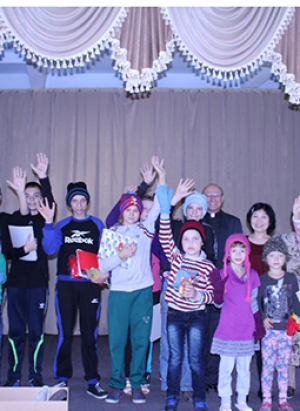 Christmas Gifts for Orphans - Ukraine (LCC)